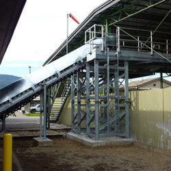 Serpentix Pathwinder conveyor system in a wastewater plant